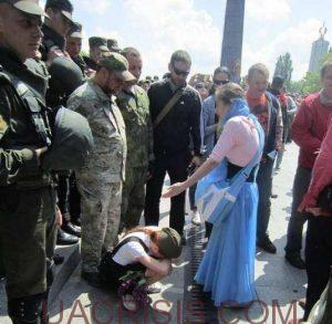 ukrainian nationalists attack little girl